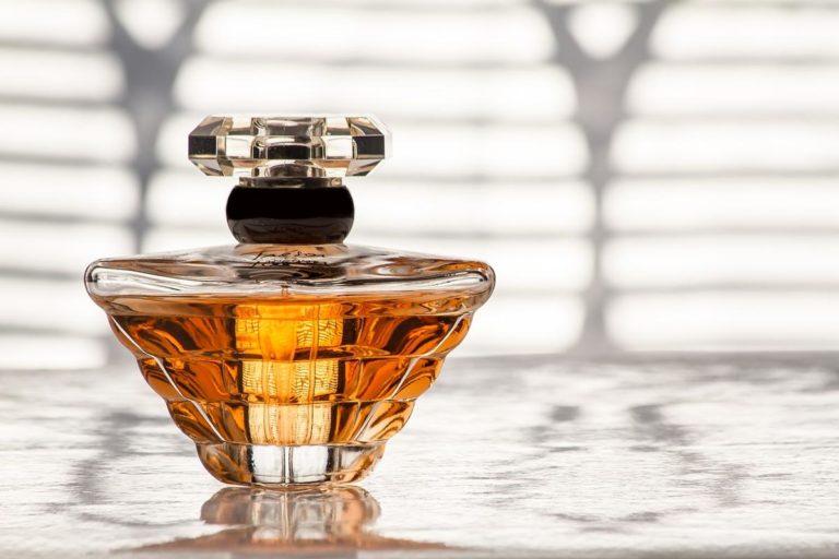 Jak wybrać dopasowane do oczekiwań perfumy?