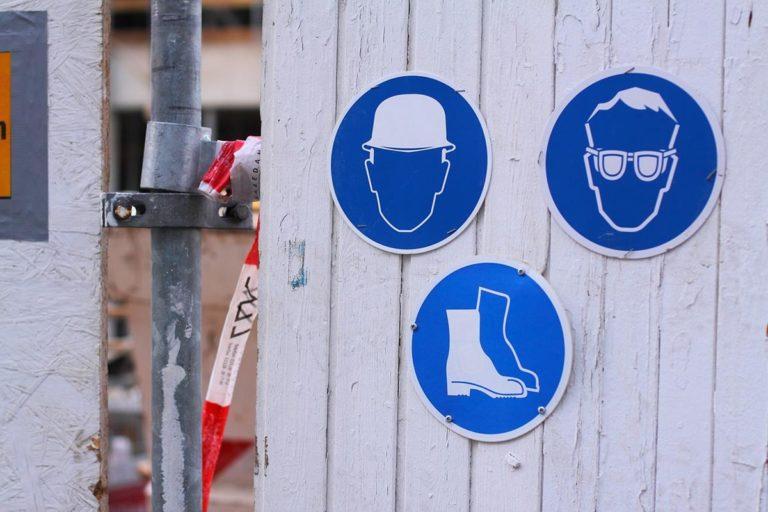 Zasady bezpieczeństwa i higieny pracy pozwalają nam bezpiecznie pracować.